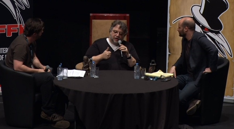 """Guillermo del Toro su Mimic: """"Esperienza che quasi mi uccise; lo terminai solo grazie a Mira Sorvino e Quentin Tarantino"""""""