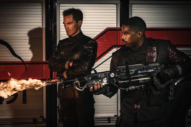 Michael B. Jordan e Michael Shannon in Fahrenheit 451 (2018) - 2