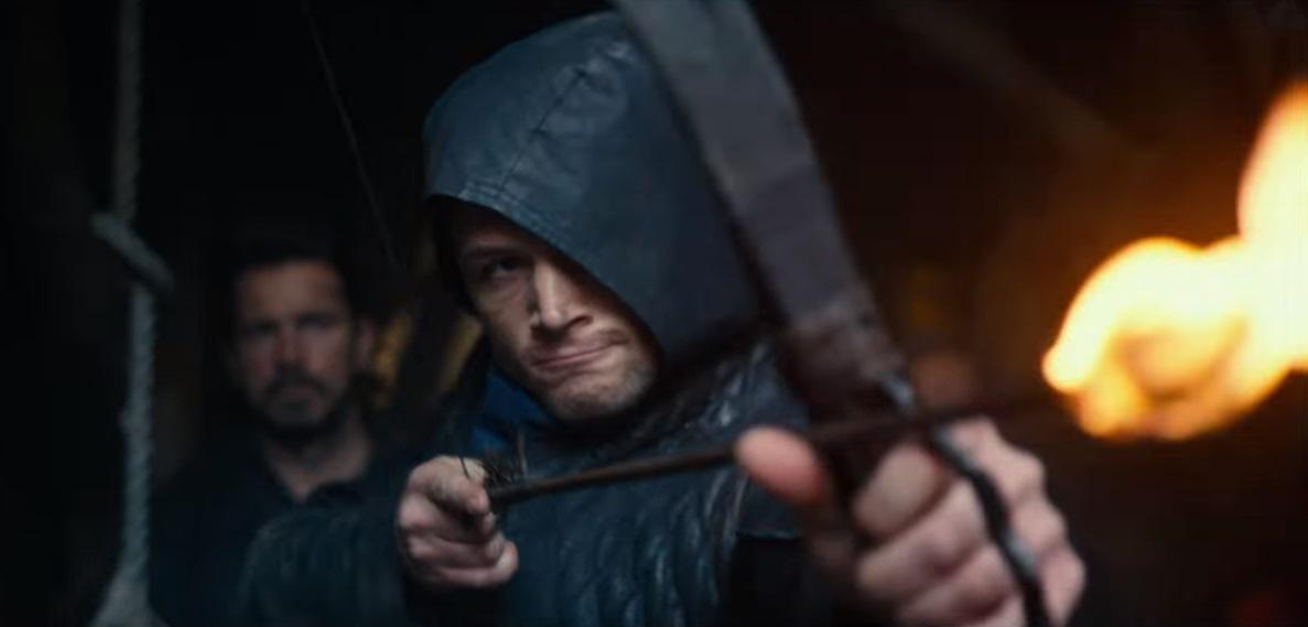 Taron Egerton scocca frecce all'impazzata nel trailer di Robin Hood