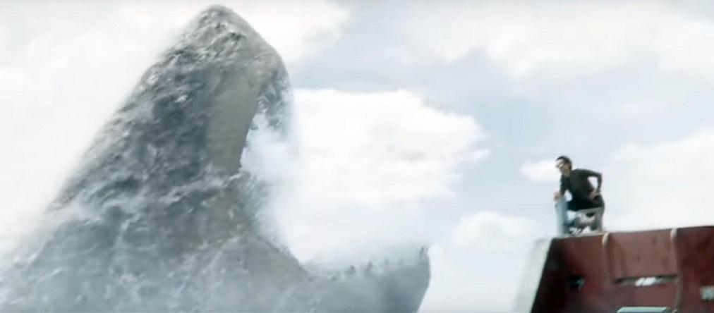 Calamari giganti e missili nel trailer internazionale di Shark – Il Primo Squalo
