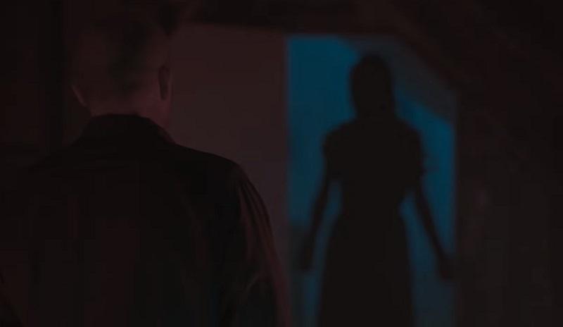 Il trailer di Our House riempie la casa di fantasmi premendo un pulsante
