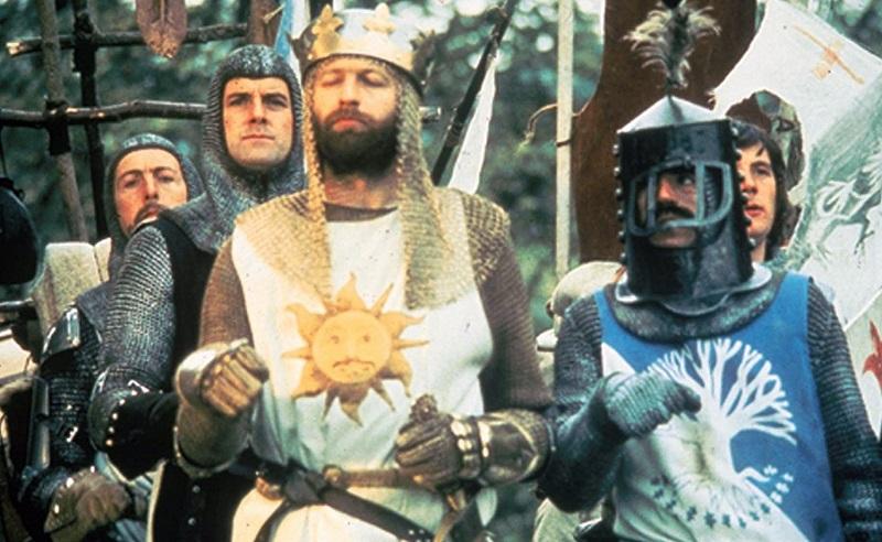 Monty Python e il Sacro Graal: emerse 3 scene inedite (tra cui il finale alternativo), la descrizione