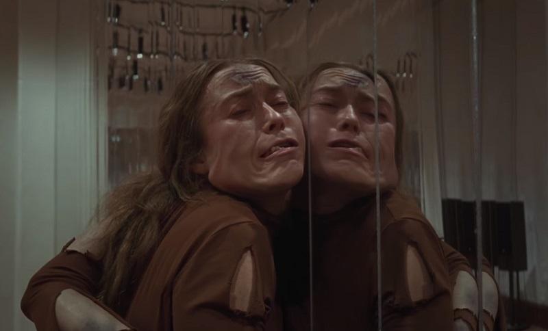 Suspiria, il full trailer da brividi dell'horror con Dakota Johnson