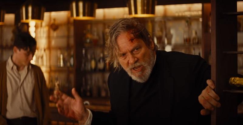 Nel full trailer italiano di 7 Sconosciuti a El Royale, Jeff Bridges e Chris Hemsworth sono in mezzo agli psicopatici