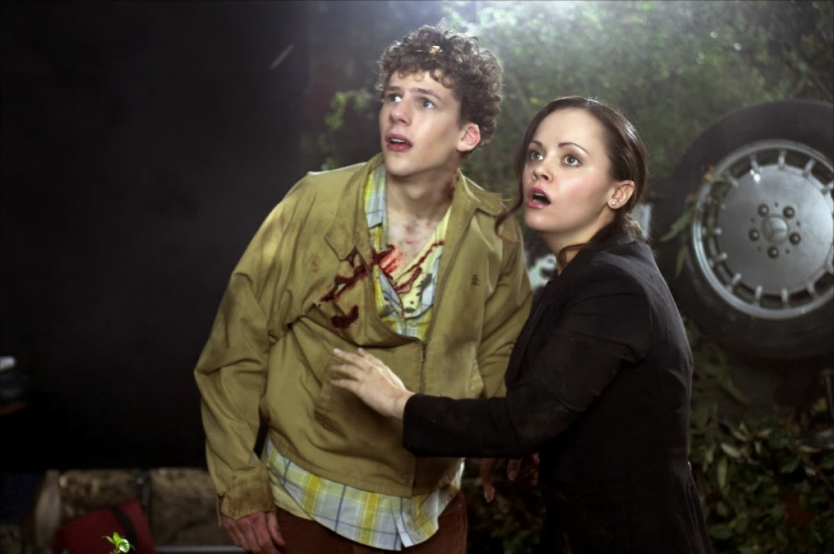Christina Ricci and Jesse Eisenberg in Cursed (2005)