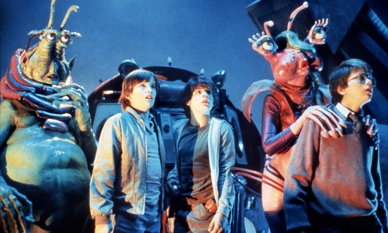 Ethan Hawke, River Phoenix, Robert Picardo, Jason Presson, and Leslie Rickert in Explorers (1985)