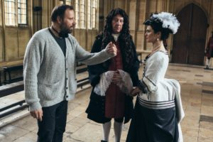 Rachel Weisz, Yorgos Lanthimos e James Smith in La Favorita (2018)
