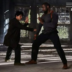 Michael Jai White e Iko Uwais in Triple Threat (2019)