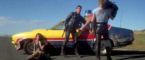 Mel Gibson, Steve Bisley, Tim Burns e Kim Sullivan in Mad Max (1979)