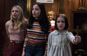 Katie Sarife, Mckenna Grace e Madison Iseman in Annabelle 3 film