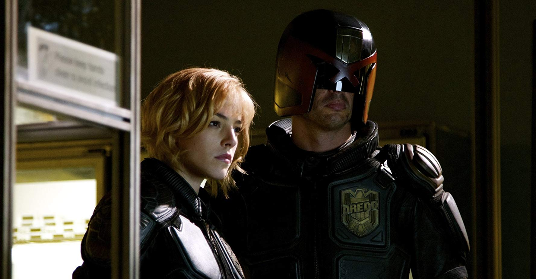 Karl Urban e Olivia Thirlby in Dredd (2012)