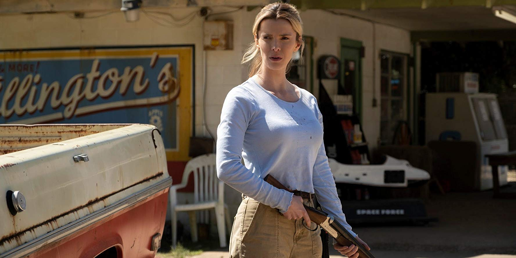 Betty Gilpin in The Hunt film 2019