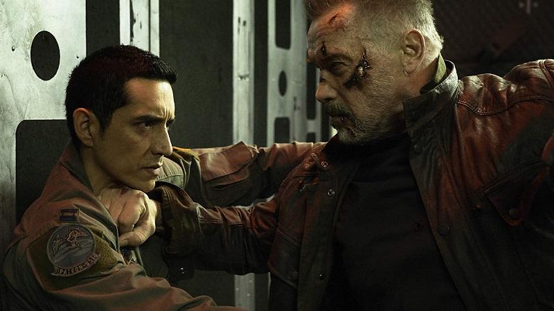 Arnold Schwarzenegger e Gabriel Luna in Terminator Destino Oscuro film