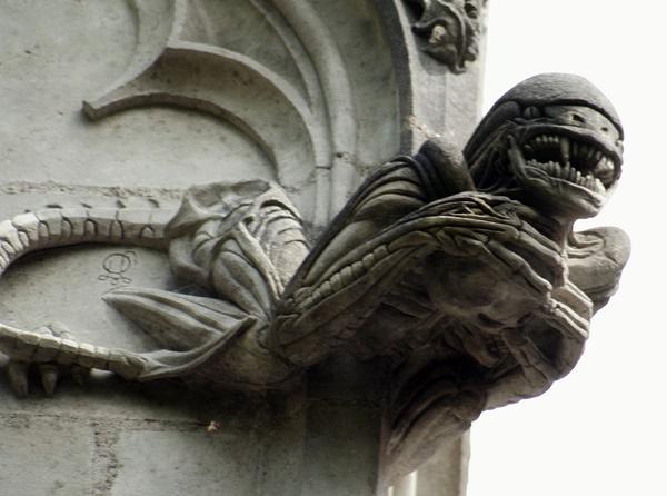 Cappella di Bethléem, dove i gargoyle sono Gremlins e Goldrake alien