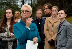 Jamie Lee Curtis, Don Johnson, Toni Collette, Michael Shannon, Riki Lindhome, Jaeden Martell e Katherine Langford in Knives Out (2019)