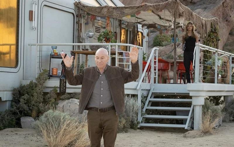 Patrick Stewart e Michelle Hurd in Star Trek Picard (2020) serie amazon