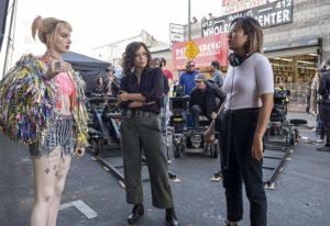 Rosie Perez, Margot Robbie e Cathy Yan in Birds of Prey set