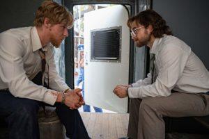 Daniel Radcliffe e Daniel Webber in Escape from Pretoria (2020)