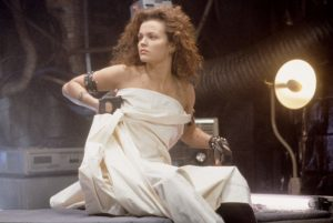 Dina Meyer in Johnny Mnemonic (1995)
