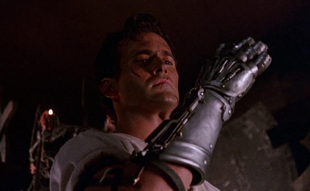 Bruce Campbell rivela il regista e il titolo del prossimo Evil Dead