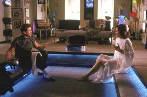 Sandra Bullock e Sylvester Stallone in Demolition Man (1993)