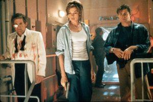 Famke Janssen, Treat Williams, Anthony Heald e Clifton Powell in Deep Rising (1998)
