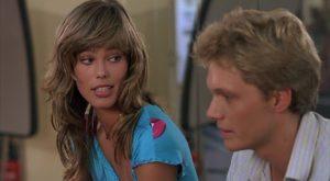 Tom Schanley e Renée Simonsen in Sotto il vestito niente (1985)