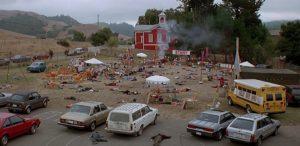 il villaggio dei dannati film 1995