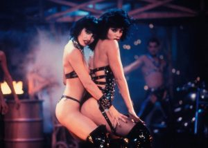 Showgirls film 1995 Gina Gershon e Elizabeth Berkley