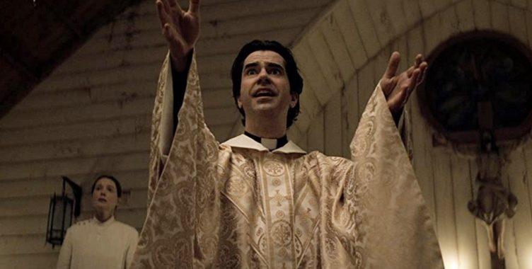 Midnight Mass (serie Netflix): la recensione dei 7 episodi targati Mike Flanagan